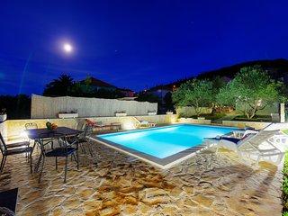 Beautiful 4 bedroom Villa in Preko - Preko vacation rentals
