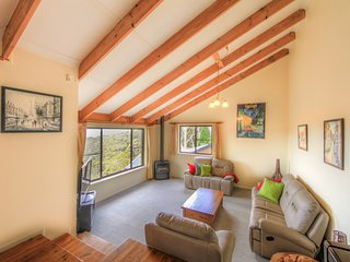 Alpine Mists - Home Away From Home * Super Saving $ for book & stay Winter 17 - Wentworth Falls vacation rentals