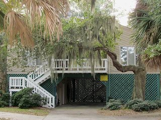 "1620 Marianne  St - ""Palmetto Paradise"" - Edisto Beach vacation rentals"