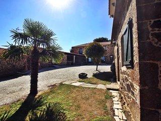 Amazing rustic stone house near Coruña and Baldaio beach - Santiago de Sisamo vacation rentals