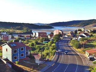 Luxurious new villa on Costa da Morte - Cabana de Bergantinos vacation rentals