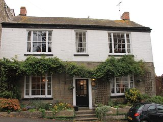 Large Central House with Courtyard & Ample Parking - Fowey vacation rentals