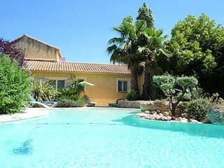 Roujan villa South of France with pool sleeps 6 - Roujan vacation rentals