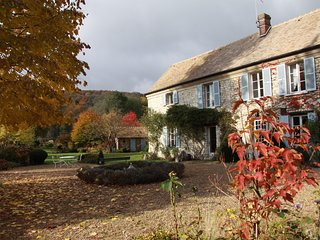 Aulnaie Gardens BnB - room CEZANNE - Fontaine-sous-Jouy vacation rentals