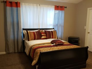 4 bedroom Townhouse with Internet Access in Union City - Union City vacation rentals