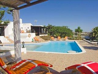 Lovely Macher vacation Villa with Mountain Views - Macher vacation rentals