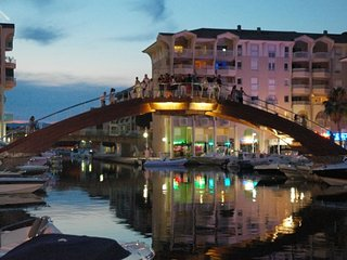 holiday apartment in villa port frejus - frejus vacation rentals