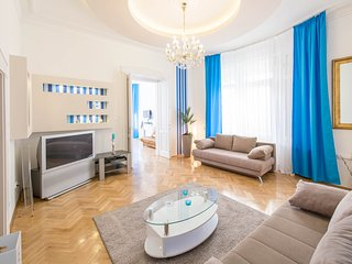 Spacious & bright 3 BDR apartment in the center - Budapest vacation rentals