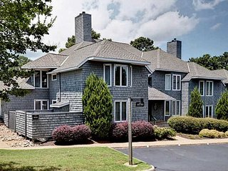 Stunning 2BR Kingsmill Condo in Williamsburg, VA - Williamsburg vacation rentals
