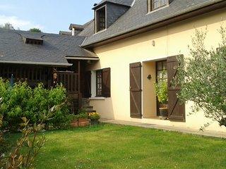 Location Gîte meublé tout confort 4 personnes - Argelès-Gazost vacation rentals