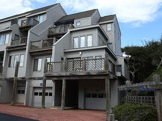 3 bedroom Apartment with Internet Access in Pine Knoll Shores - Pine Knoll Shores vacation rentals