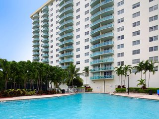 One Bedroom O Reserve_Bay View922 Sleeps 5! - Sunny Isles Beach vacation rentals