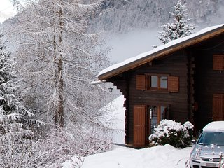 Chalet Le Pînpiolé is a cosy chalet with WiFi - Sixt-Fer-a-Cheval vacation rentals