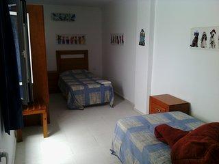 PRIVATE ROOM 3 A PLAYA LAS CANTERAS (Piso compartido) - Las Palmas de Gran Canaria vacation rentals