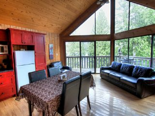 Desolation Sound Resort Chalet 4a: 1 Bedroom - Lund vacation rentals