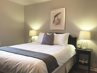 Vintage Charm, Modern Amenities, Downtown Adjacent - Plano vacation rentals