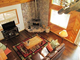 Elegant Mountain Chalet in the picturesque area of Lakemont Pines, Arnold CA - Arnold vacation rentals