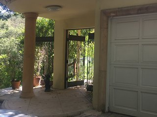 Tranquil Hideaway - Beverly Hills vacation rentals