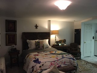 Adorable Philadelphia Studio rental with Internet Access - Philadelphia vacation rentals