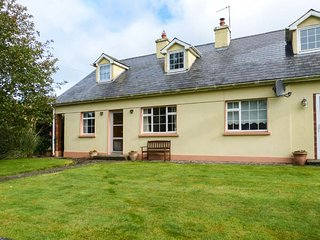 MOUNTAIN VIEW, all ground floor, solid-fuel stove, great walking opportunities, Newcastle, Clonmel, Ref 941369 - Clonmel vacation rentals