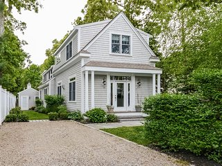 Charming 4 bedroom House in Osterville with Internet Access - Osterville vacation rentals