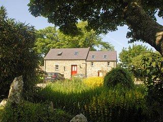 2 bedroom Cottage with Internet Access in Newport - Newport vacation rentals