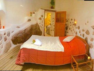 Beautiful 5 bedroom Urubamba Guest house with Balcony - Urubamba vacation rentals