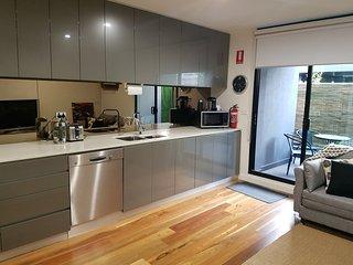 Go4 Port Melbourne Apartments..close to beach/city - South Melbourne vacation rentals