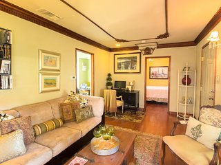 Chic & Comfortable Burbank Bungalow - Burbank vacation rentals