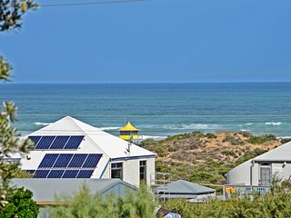15 Castle Avenue - Great for Groups and Large Families - Goolwa vacation rentals