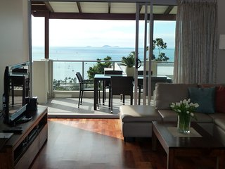Oscar's View - WIFI & Welcome Gift - Airlie Beach Central - Airlie Beach vacation rentals