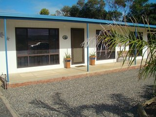 23 Ellensford Terrace - close to the beach and main street - Middleton vacation rentals