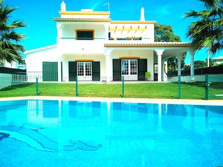 Villa Ocean, beachfront, pool, sea view, Albufeir - Albufeira vacation rentals
