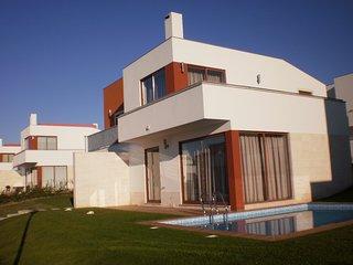 AD PL - Bom Sucesso/Óbidos Lagoon -Modern villa with 3 bedrooms and 3 bathrooms - Leiria vacation rentals