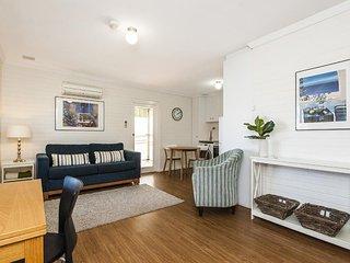 1 bedroom Condo with Deck in Shenton Park - Shenton Park vacation rentals