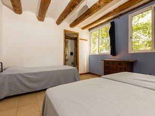 Alberg La Solana - B21 - Habitación Con 3 Literas Extensibles (3-6  plazas) - Salas de Pallars vacation rentals