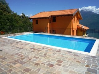 Bright 4 bedroom Condo in Germasino - Germasino vacation rentals