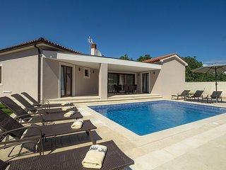Villa Helena with pool for 10 guests near Fazana - Fazana vacation rentals