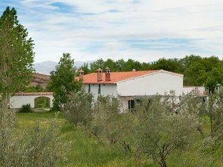 Spacious Farmhouse Barn with Washing Machine and Balcony in Lanteira - Lanteira vacation rentals