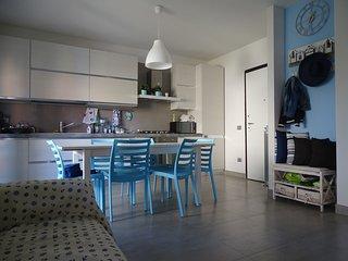 Casa Azzurra al piano terra con grande terrazzo - Civitanova Marche vacation rentals