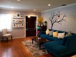 Furnished 3-Bedroom Home at N Maple St & N Edison Blvd Burbank - Burbank vacation rentals