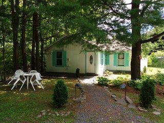 Cozy House with Deck and Central Heating - Pine Hill vacation rentals