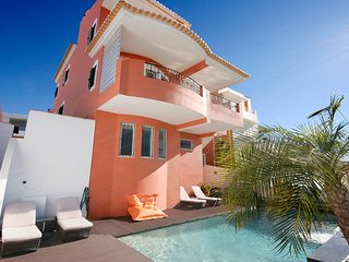 The Orange Casa 6 bedrooms, sleeps 11, Private heated Pool, Wi-Fi, A/C, Central - Lagos vacation rentals