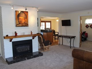 Furnished 3-Bedroom Home at 6th St & 7th Ave Kirkland - Kirkland vacation rentals