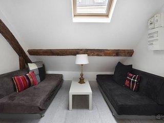 GowithOh - 20971 - Small one bedroom top floor apartment - Paris - Paris vacation rentals