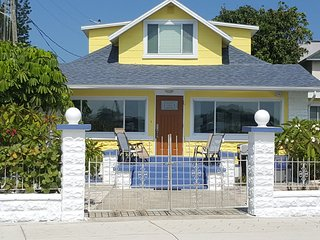 Nice Studio with Internet Access and A/C - Saint Pete Beach vacation rentals