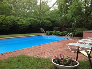 4BR Southampton w Pool (Amazing just walk to town & beach) Social Club 75 Mai - Southampton vacation rentals