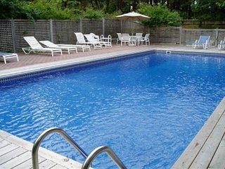 3BR Southampton Home, Heated Pool & Jacuzzi - Southampton vacation rentals