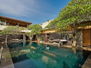 Spacious Villa with Internet Access and Television - Buduk vacation rentals