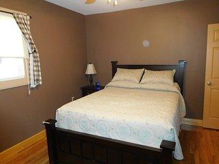 Cozy 1 bedroom Berlin Condo with Television - Berlin vacation rentals